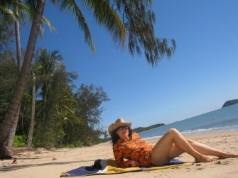 Clifton Beach, in the Cairns Northern Beaches, is a fabulous tropical palm fringed beach.