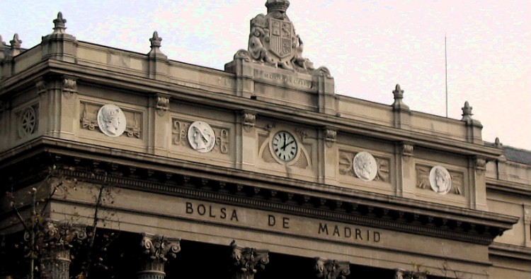 bolsa means 'bag', so this must be the Bag of Madrid building.