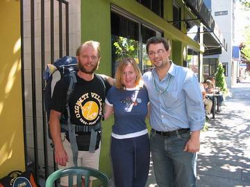 Me with Sunbucket Kacey and Boots 'n' All Sean. Digihitch Morgan met with Kacey and I later.