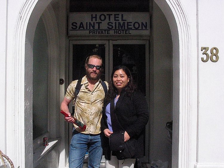 Gail and I outside Saint Simeon, Kensington last budget hotel. In my hands, a bottle of Canadian maple wine, a gift from Gail. Sound interesting? I'll let you know.